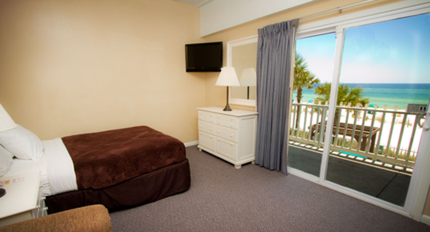 Two Room Suites At The Sandpiper Beacon Beach Resort