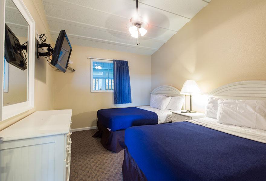 Three room suite 1