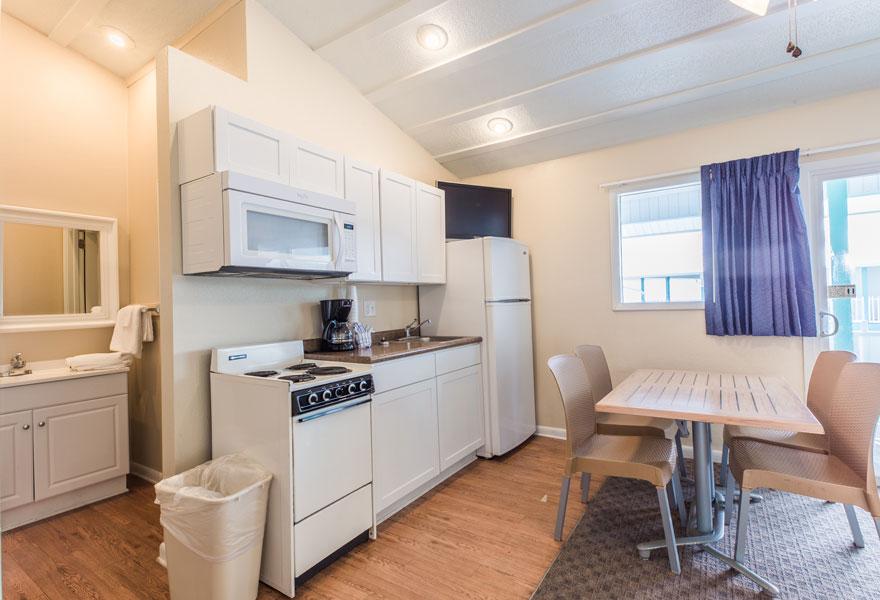 Three room suite 4