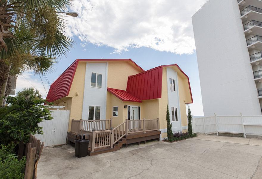 Beach House Rentals 24