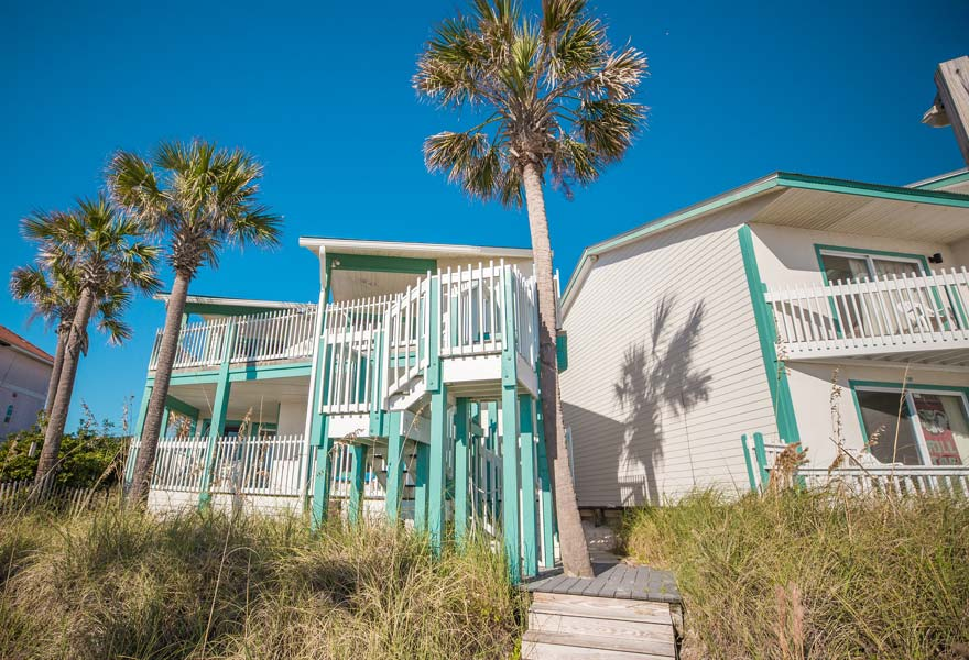 beach house 2 bed at the sandpiper beacon beach resort