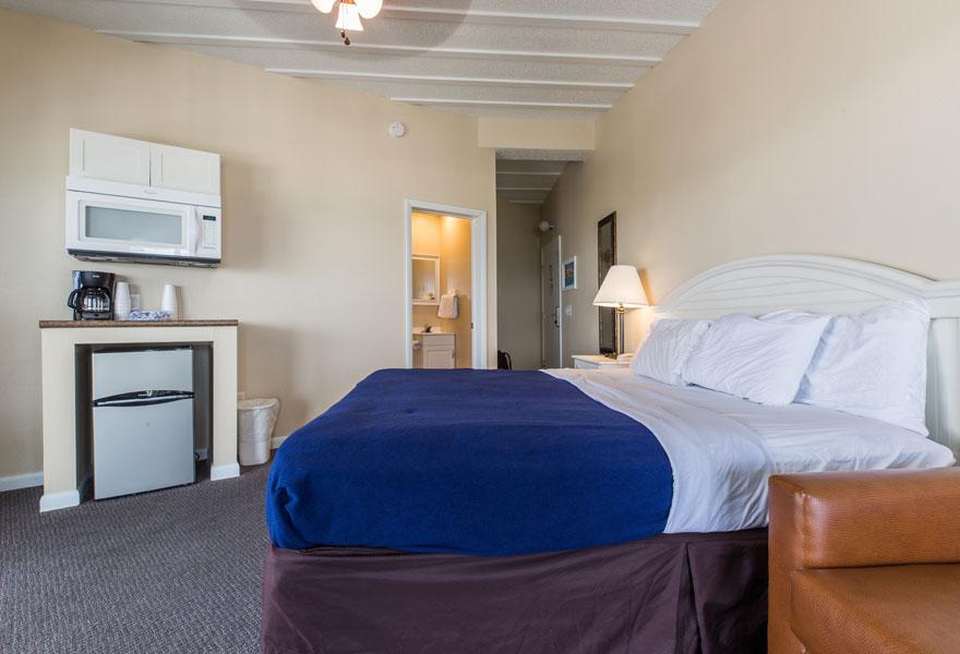 hotel room no kitchen 2